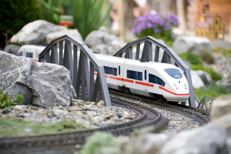 鉄道模型を走らせる